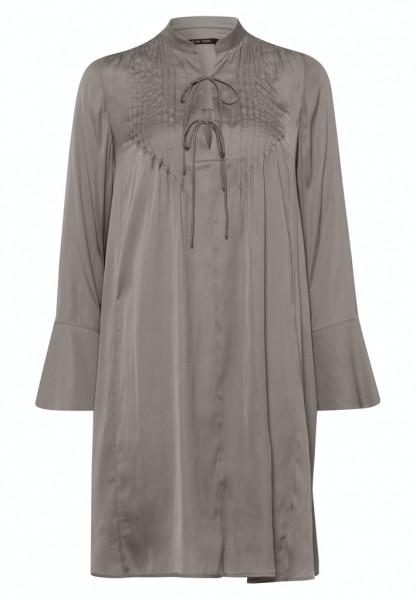 Kleid aus japanischem Satin